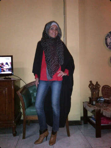 inner by NurZahra. hijab by Zamira,cardigan by jenahara,jeans and boots by mango